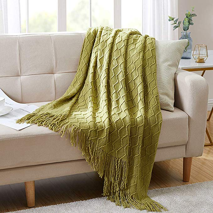 green spring throw blanket | Spring Decor Ideas for Your Home